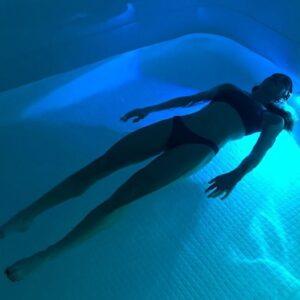 Float Cabin terapie prin plutire